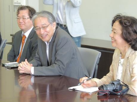 ブータン王国農林省幹部、王立生物多様性センター一行が石川幹子教授の案内で、中央大学理工学部を来訪、庭園、皇居を見学